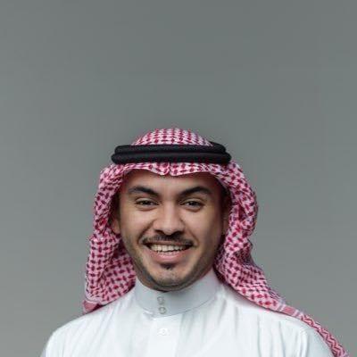شاهد.. سعودي يتنقل بين الوظائف يومياً بهدف تعريف الشباب وتوعيته بطبيعة كل مهنة