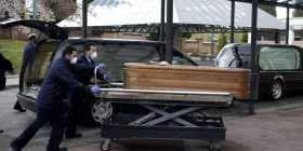 الولايات المتحدة تسجل حوالي 2000 وفاة بفيروس كورونا في يوم واحد