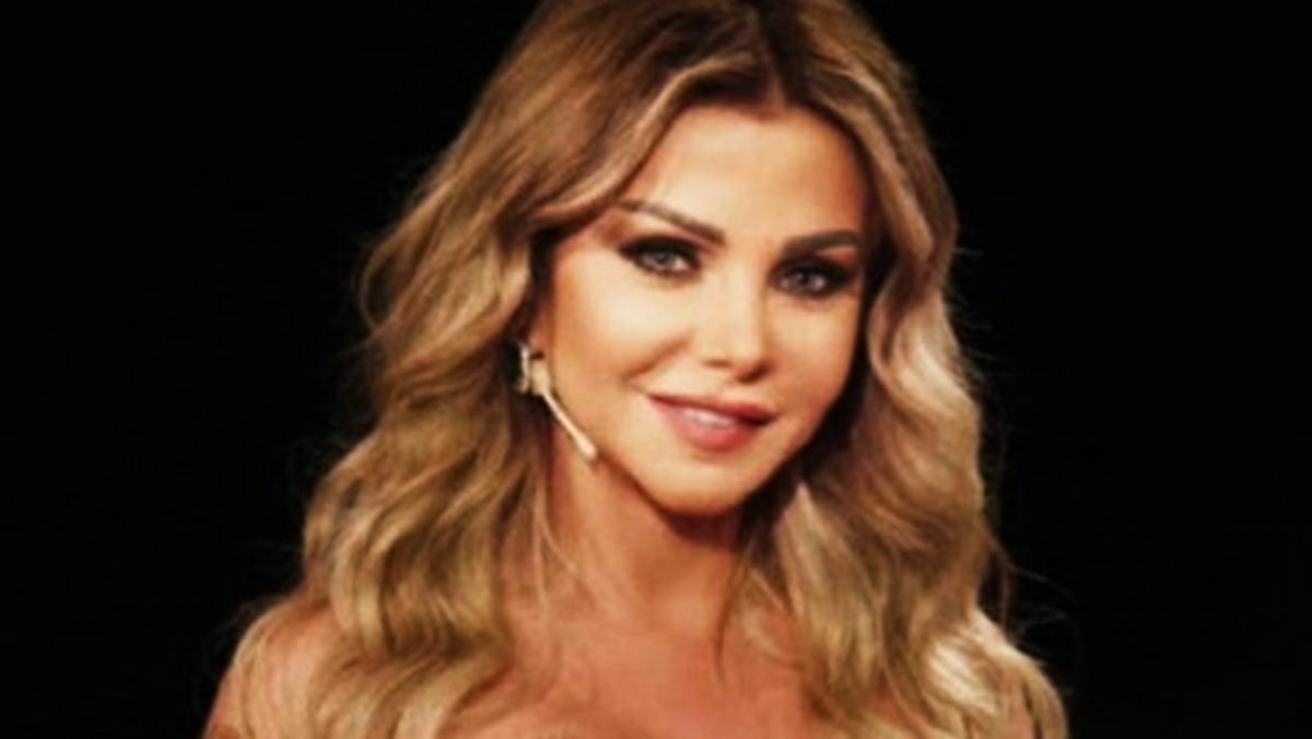 """تعرفوا علي زوج الفنانة رزان مغربي """"المصري"""" الوسيم .. الذي تزوجته لشبهه الكبير بـ عمر الشريف! (شاهد)"""