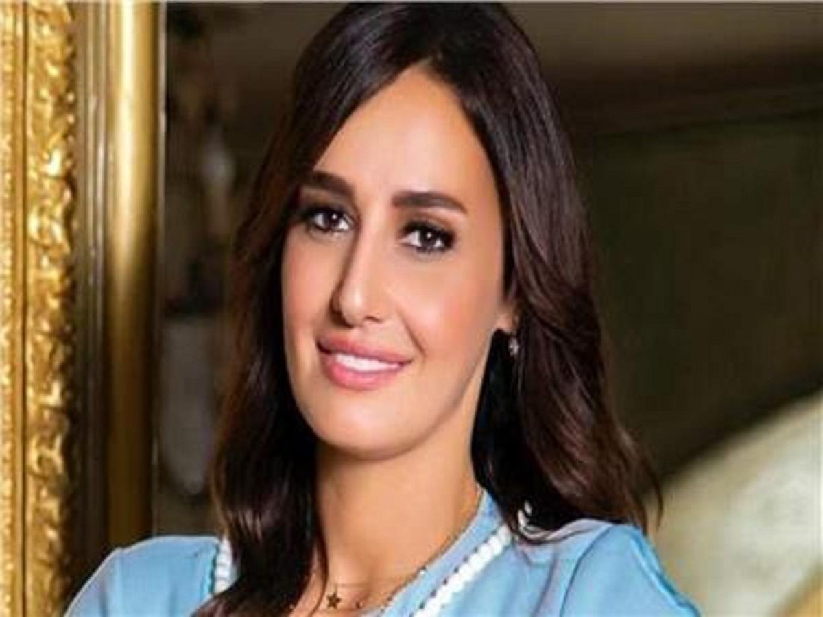 حلا شيحة تفاجئ جمهورها بارتدائها للحجاب