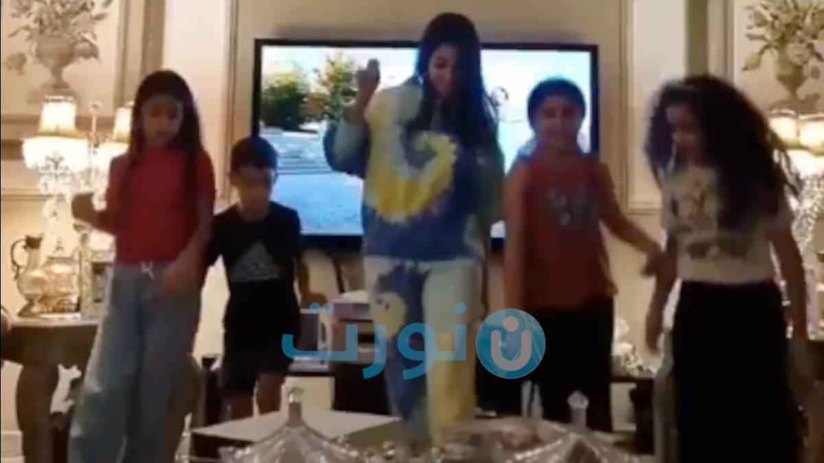 شاهد.. اسيل عمران في وصلة رقص احتفالا بالعيد